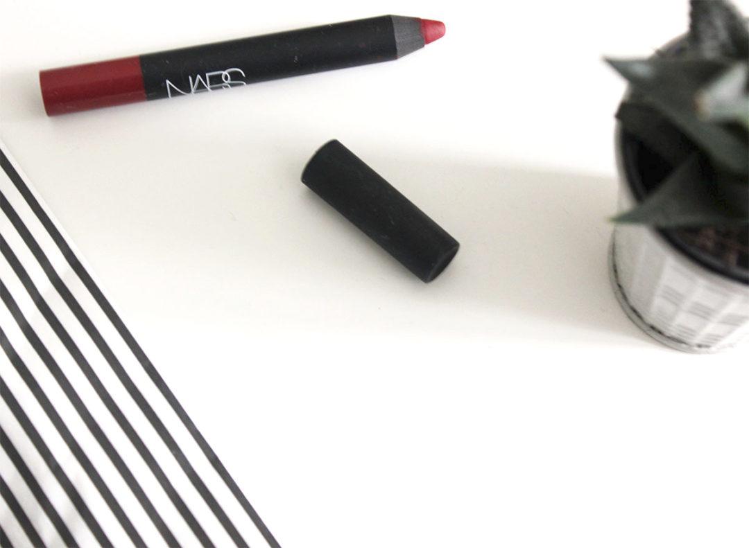 NARS Velvet Matte Lip Pencil in Consuming Red